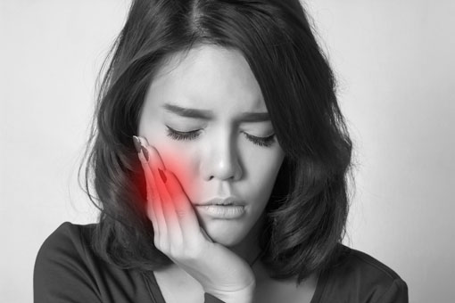 root canal therapy - thornhill dentist-woman in pain